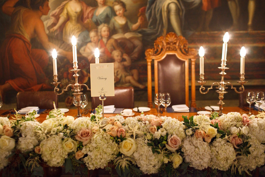 Painted Hall Top Table Flowers1