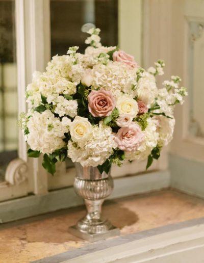 Savile_Club_Wedding_Flowers_Urn1
