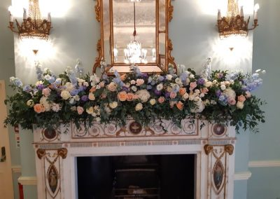 dartmouth-house-mantelpiece-flowers-1