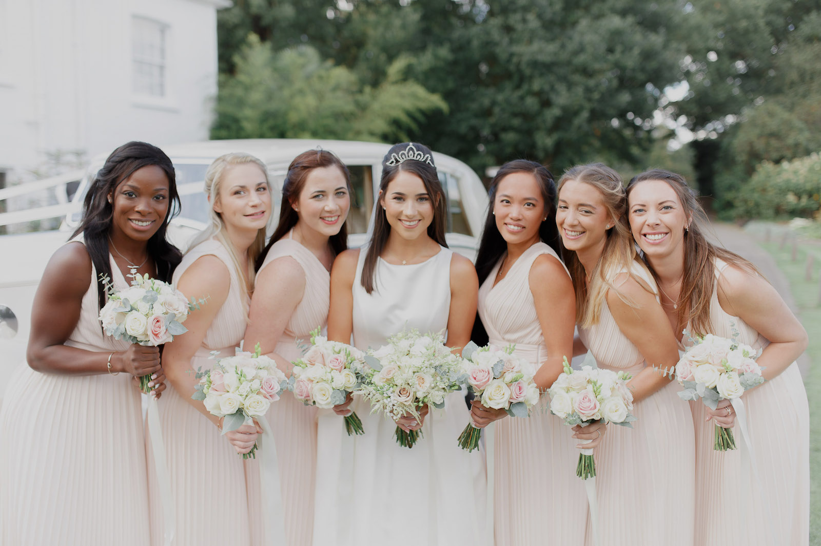 Laura-with-Bridesmaids
